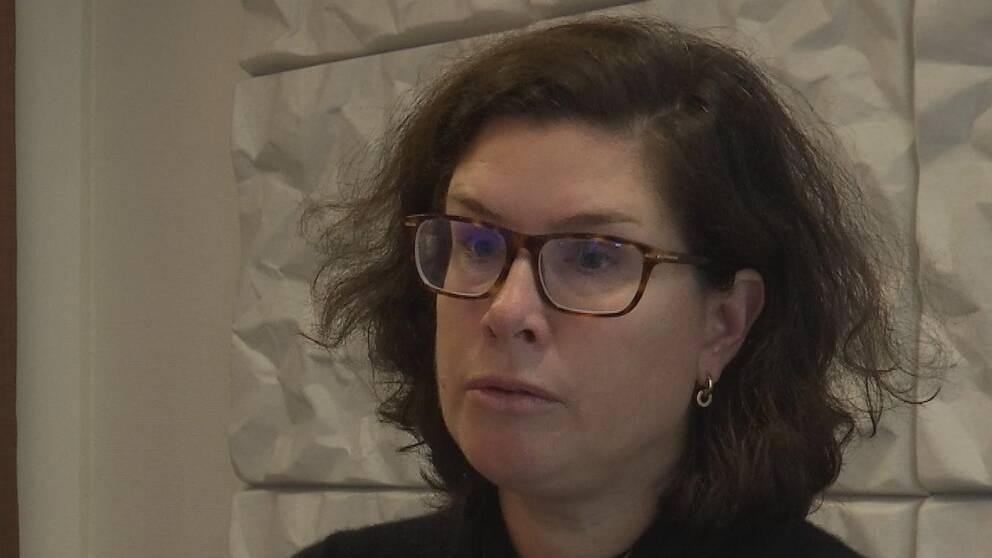 Anna Hessel i en intervjusituation.