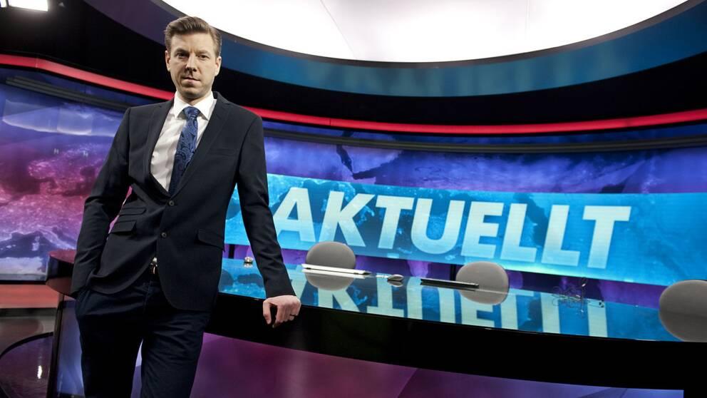 Aktuellts redaktörer hinner inte kontrollera om programmet har en jämn könsbalans. Här syns Jon Nilsson, programledare i Aktuellt.