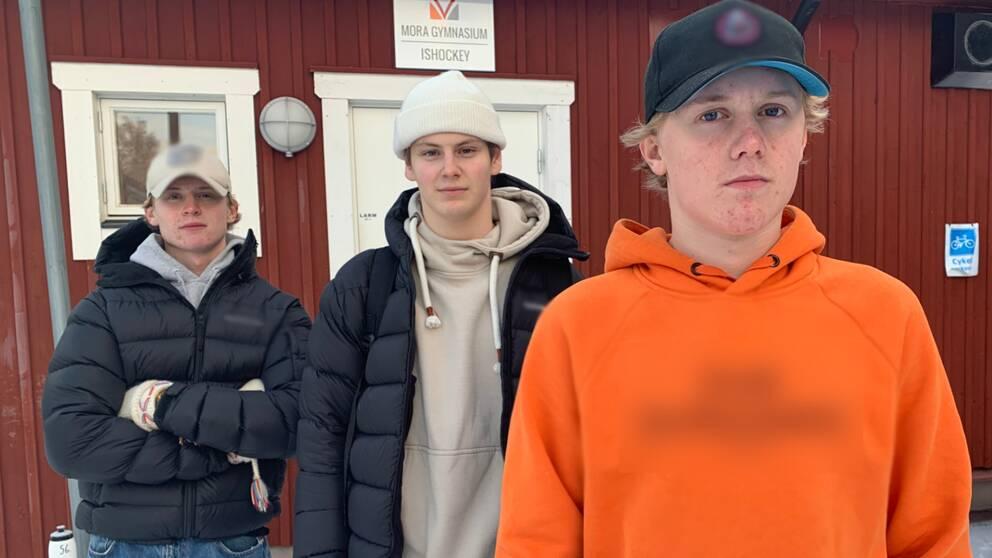 tre killar i gymnasieåldern i Mora