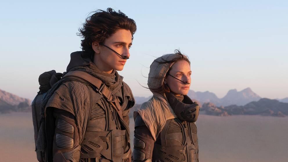 Timothée Chalamet och Rebecca Ferguson i filmen Dune.