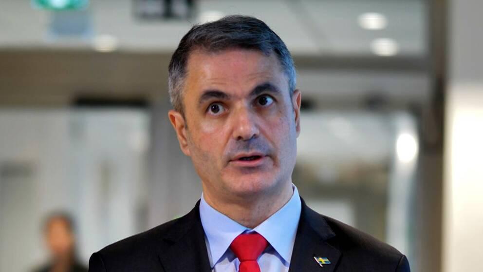 Näringsminister Ibrahim Baylan håller inte med om att småföretagarna glömts bort under pandemin.