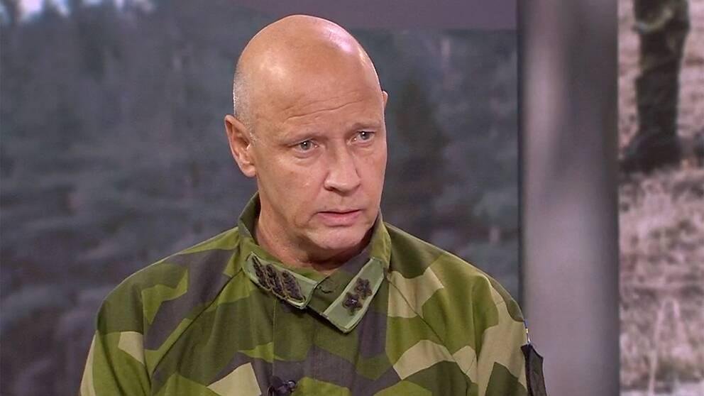 I Aktuellt kommenterade Karl Engelbrektson, arméchef, avslöjandet om K3-rekryternas vittnesmål om maktmissbruk, mobbning och våld