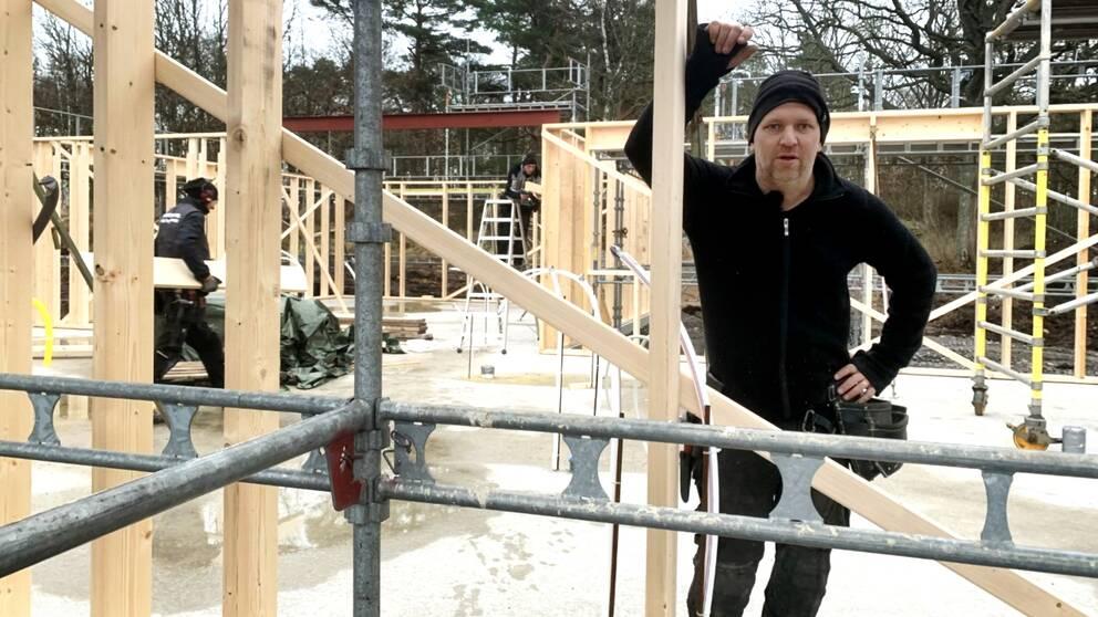 Ulf Aronsson är snickare i Falkenberg och har 30 års erfarenhet.
