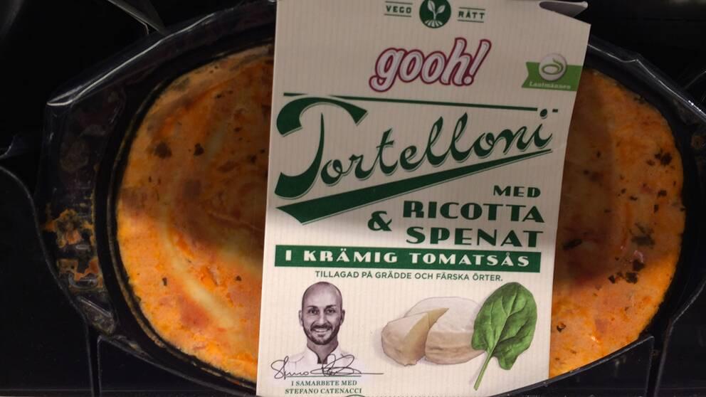 Tortelloni med ricotta och spenat i krämig tomatsås, tillverkare Gooh! (Operakällaren) Salt per 100 gram: 1,2 g Salt per portion: 4,8 g