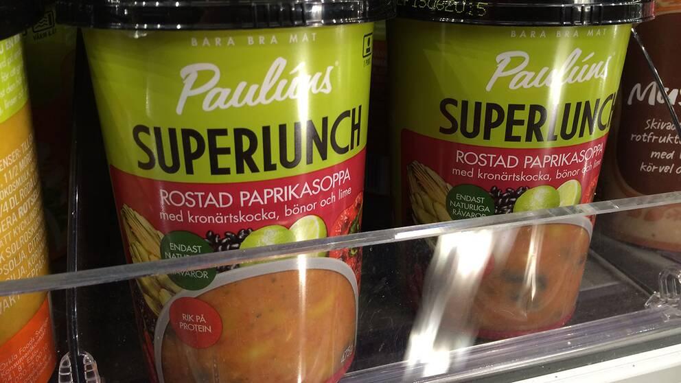 Rostad paprikasoppa, tillverkare Paulúns Salt per 100 gram: 0,86 g Salt per portion: 4,1 g