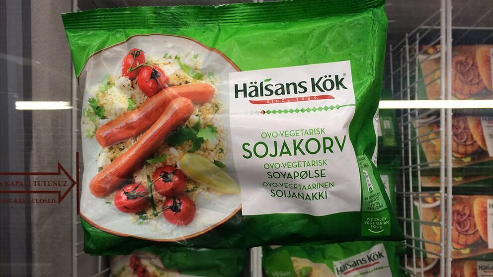Sojakorv, tillverkare Hälsans kök Salt per 100 gram: 1,5 g Salt per portion: 2 korvar 1,1 g