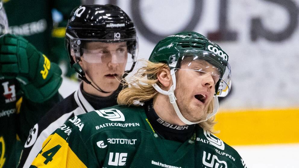 Björklövens Olle Liss deppar under ishockeymatchen i Hockeyallsvenskan mellan Björklöven och Mora den 14 December 2020 i Umeå.