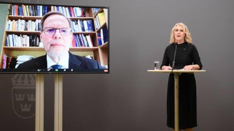 Socialminister Lena Hallengren (S) och kommissionens ordförande Mats Melin via länk.