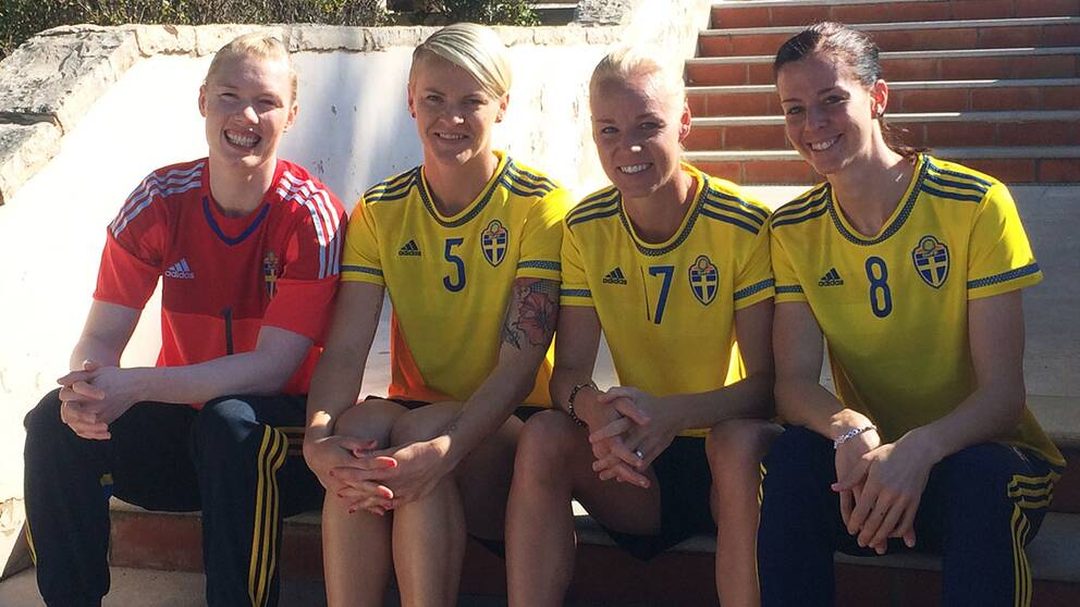 Centrallinjen: Hedvig Lindahl, Nilla Fischer, Caroline Seger och Lotta Schelin.