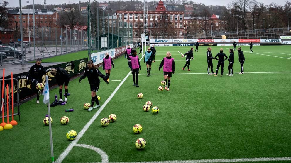 Göteborgs FC under en träning på Vallhalla IP.