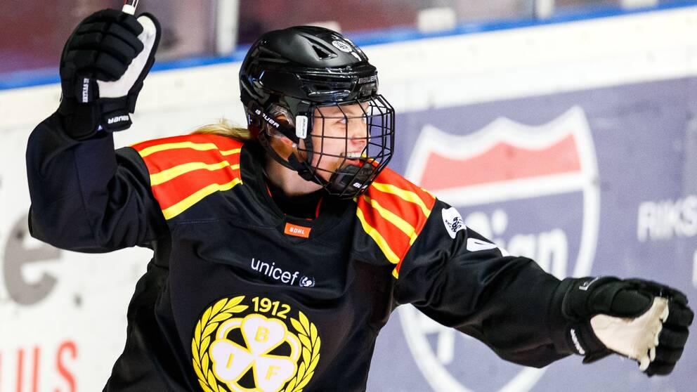Josefin Bouveng satte 1-0 till Brynäs mot Linköping.
