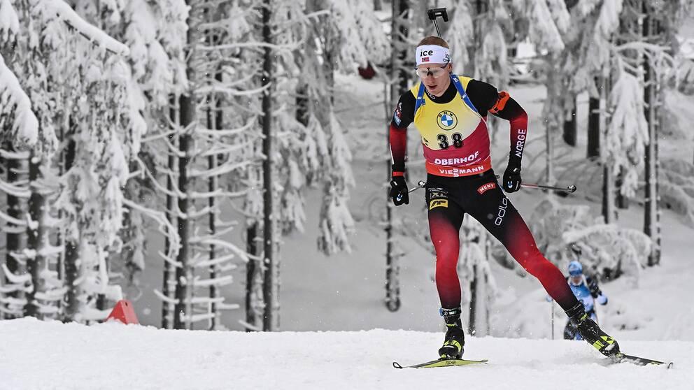 Norrmannen Johannes Thingnes Bö i spåret.