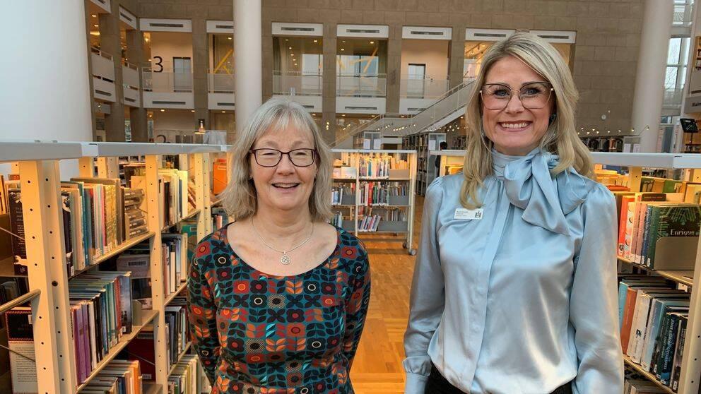 Systemförvaltaren Christina Mattiasson och enhetschefen Karin Ahlstedt ser fram emot det nya intelligenta systemet som ska ge bättre utbud på biblioteken i Malmö.