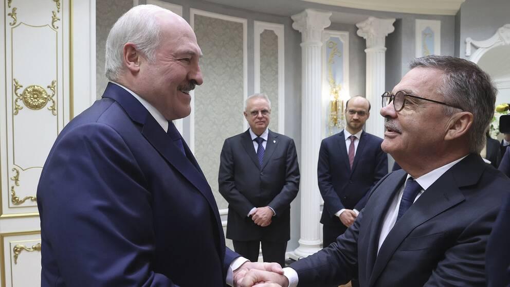 Belarus president Aleksandr Lukasjenko och René Fasel.