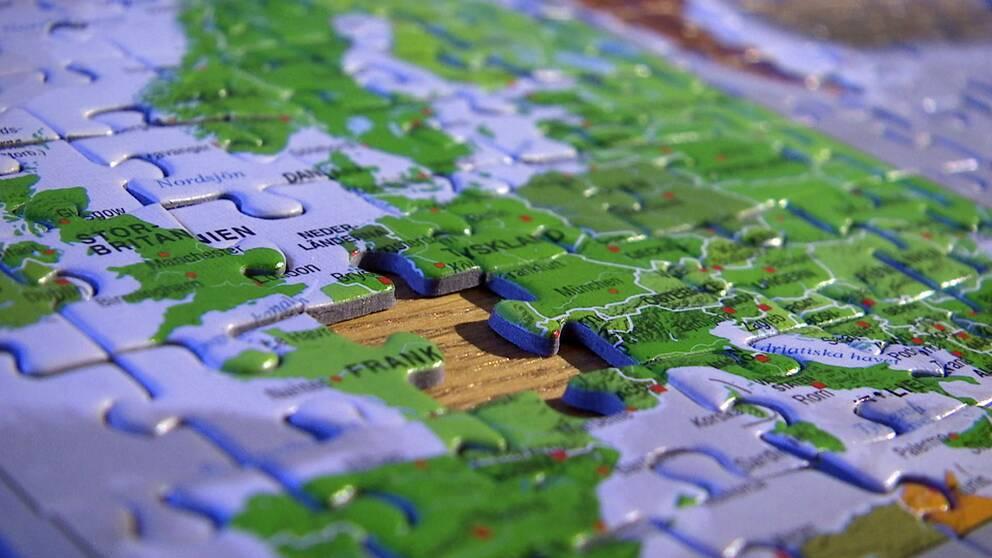 närbild på pussel som är en karta
