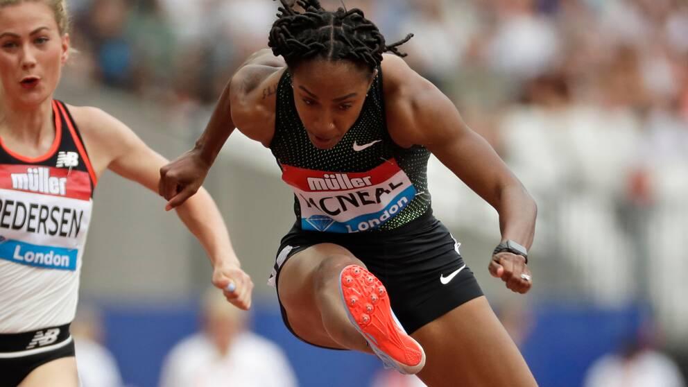Amerikanskan Brianna McNeal, regerande OS-mästare på 100 meter häck, stängs av för dopningsbrott.