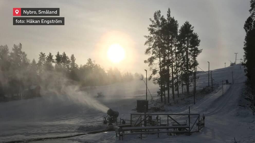 Kanonväder i Svartbäcksmålabacken i Nybro i Småland den 15 januari.