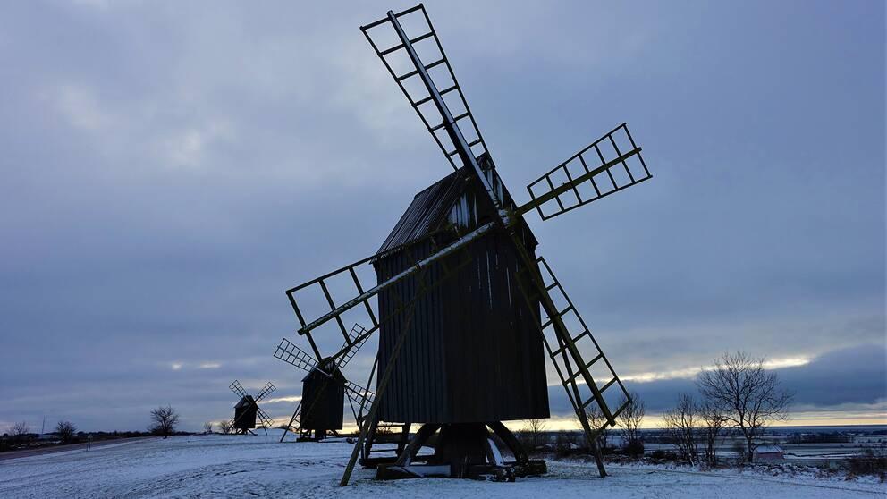 Öland, Kvarnraden i Resmo,16 januari, sparsamt med snö, 3 minusgrader.