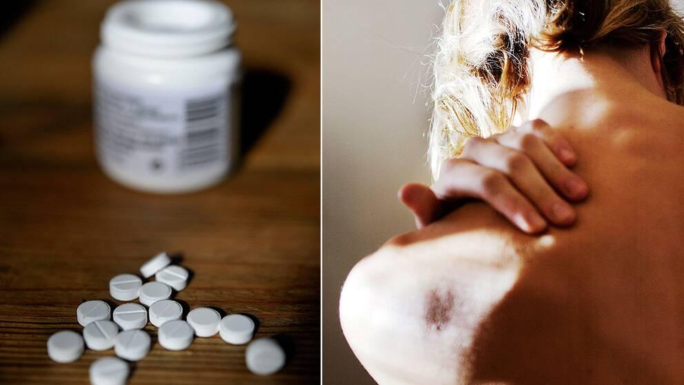 Tabletter på bordskiva framför en pillerburk. En hand tar mellan axeln och nacken.