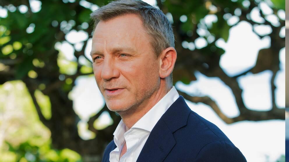 Daniel Craig spelar rollen som James Bond, vilket vi får vänta lite längre på att se i No time to die.