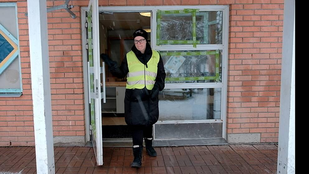 Pluggparadiset kunde, med hjälp av ett intensivt arbete, hålla öppet på måndagen.