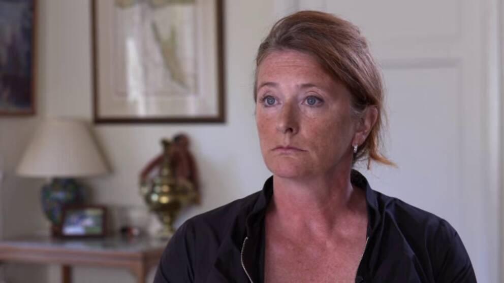 Karin Moberg satt själv i Teliasoneras ledningsgrupp och menar att företaget tystade ner frågor runt affären.