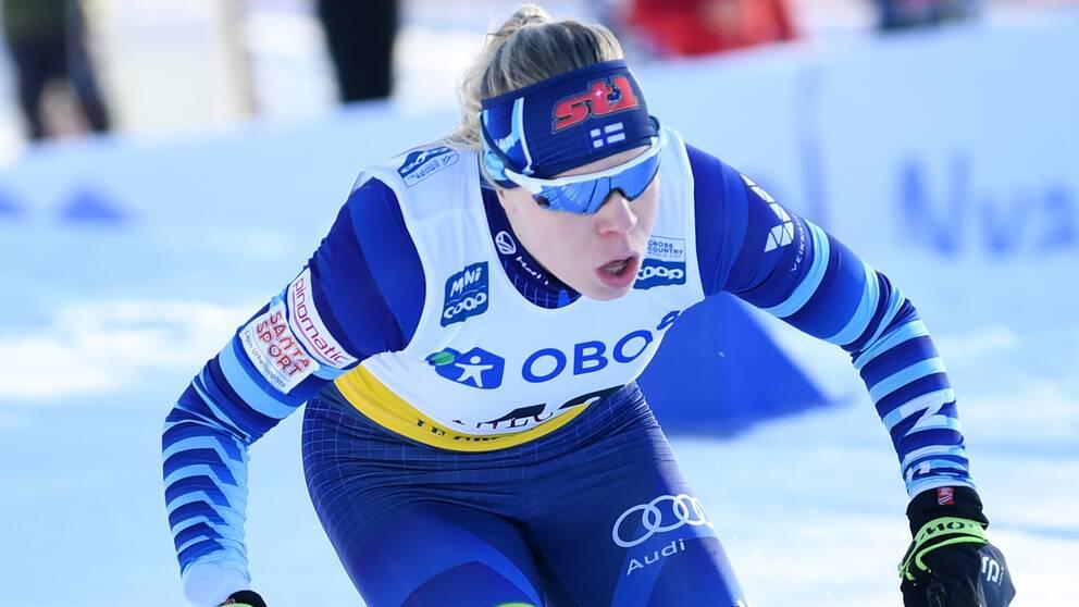 Finlands Jasmi Joensuu under damernas kval i sprint vid världscuptävlingarna, Svenska skidspelen, i Falun.