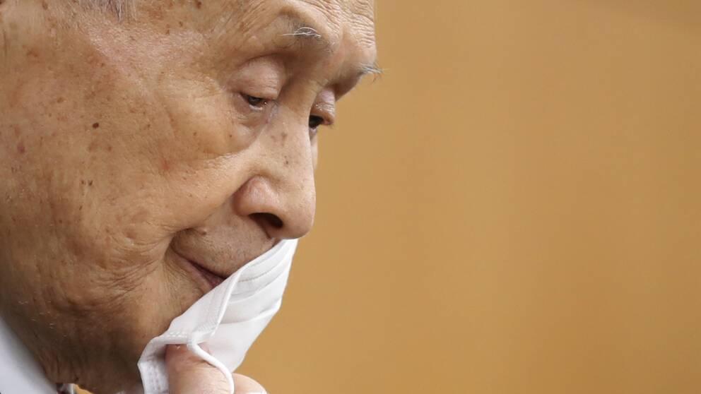 OS-chefen Yoshiro Mori tänker inte avgå efter sina uttalanden.