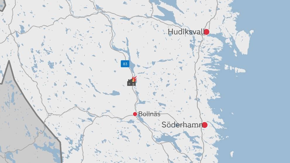 En karta över delar av Gävleborg där platsen för branden är markerad med en symbol för ett brinnande hus.