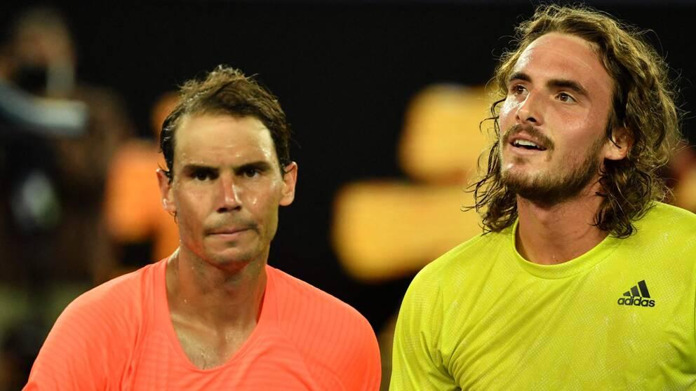 Stefano Tsitsipas (höger) skrällde mot Rafael Nadal.