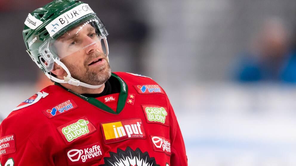 Joel Lundqvist stängs av i fem matcher.