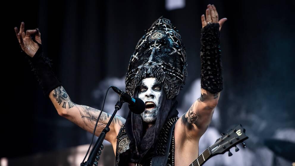 Behemoths sångare och frontman Nergal har flera gånger varit i strid med polska staten på grund av sin konst.