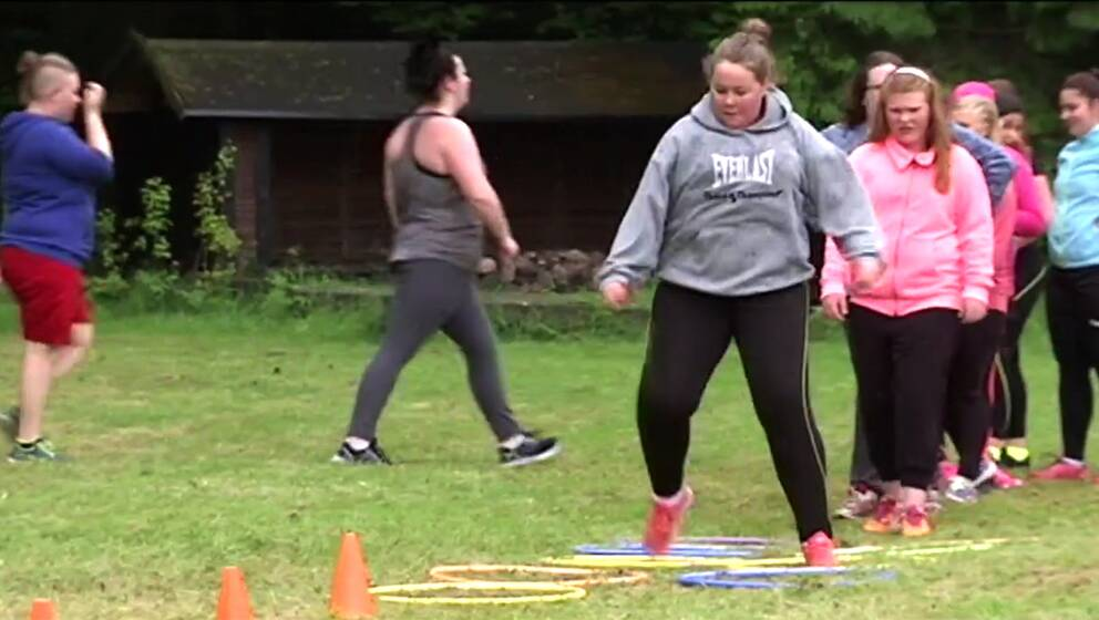 I Ängelholm har ett sommarläger för barn med övervikt startat, där vill man att barnen själva lär sig ta hand om sin kropp.