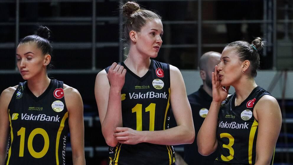 Isabelle Haak, i mitten, och hennes Vafibank föll i Champions League.