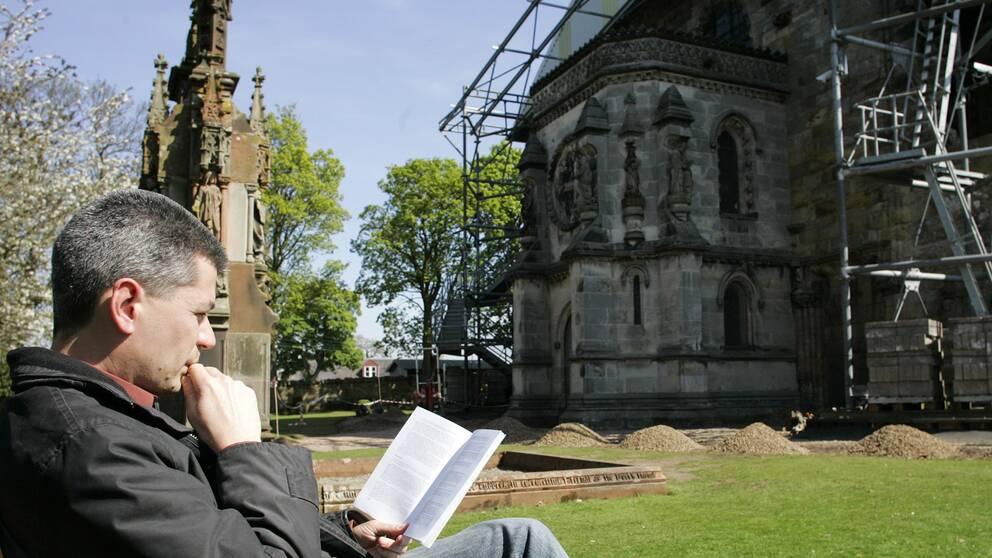 Rosslyn Chapel utanför Edinburgh i Skottland har blivit populärt sedan Da Vinci-koden.