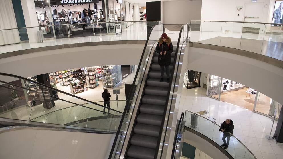 Glesare än vanligt i Gallerian Vågen i Örebro.