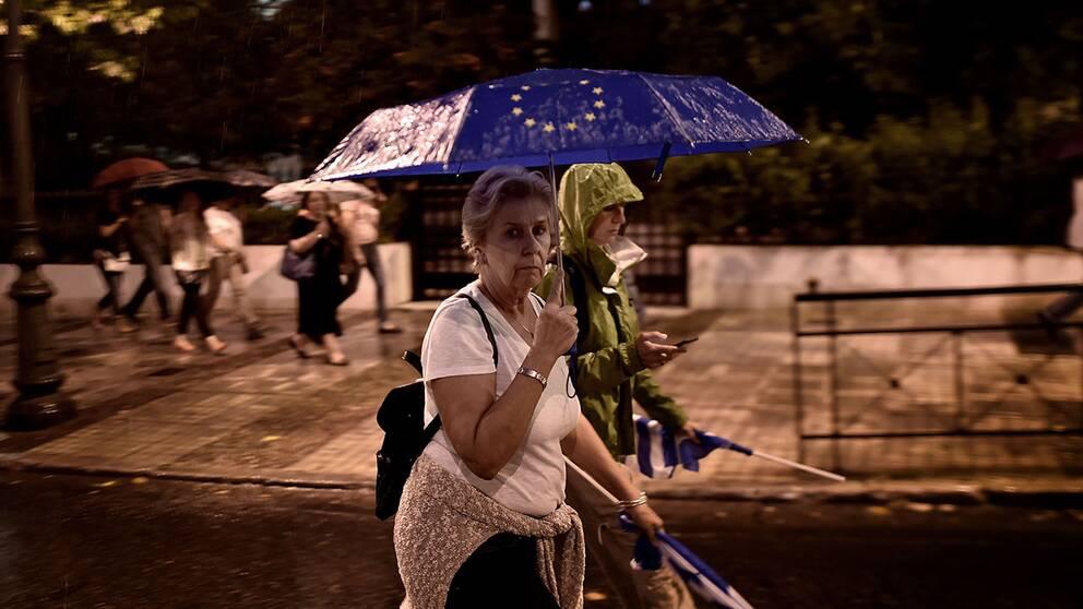 Tyskland avvaktar grekisk omrostning