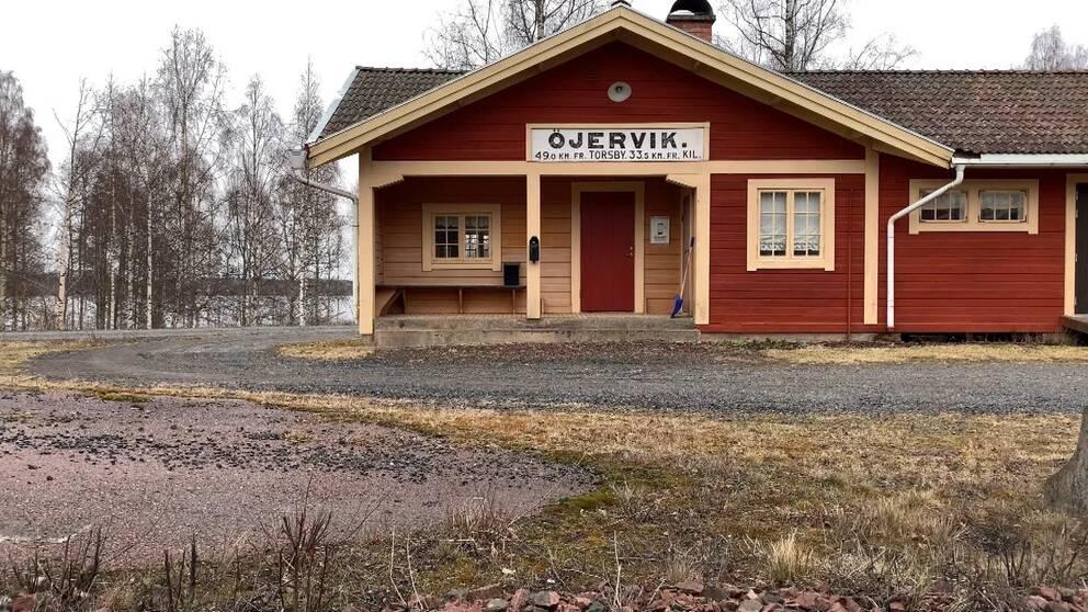 Hur och varför tågstoppet i Öjervik kommer att bli en förlustaffär hör du i klippet.