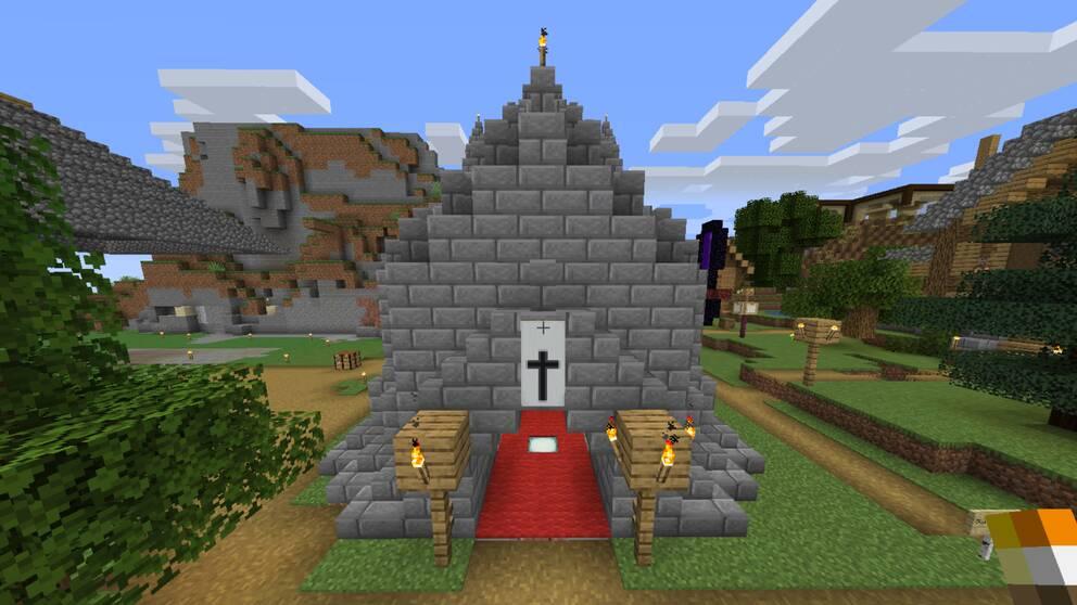 Skärmdump på en digital kyrka ur spelet Minecraft.