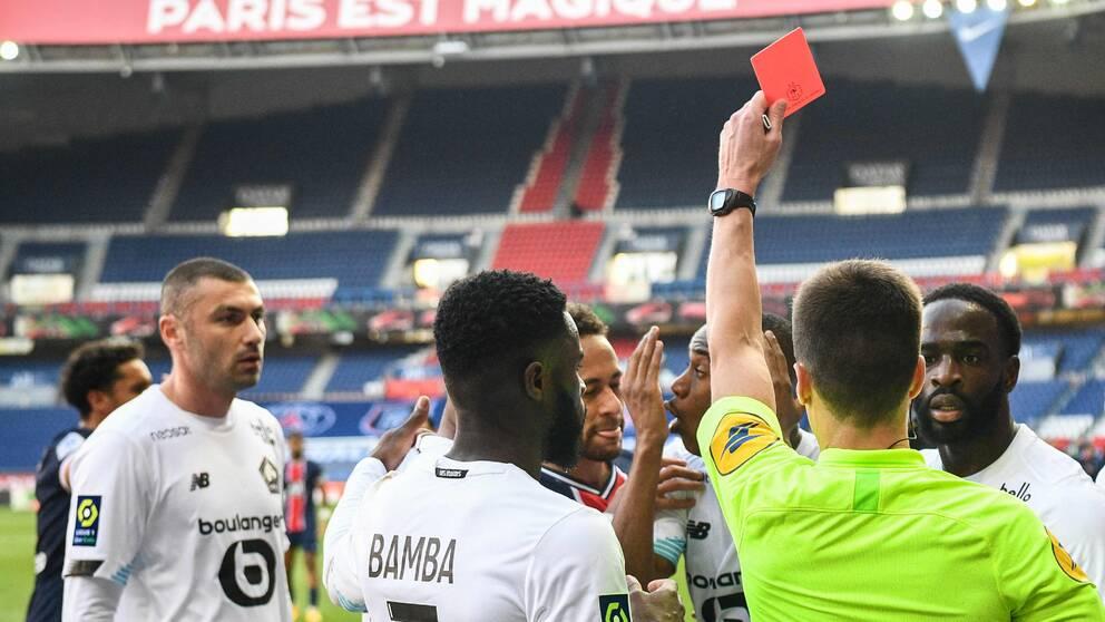 Rött kort och förlust för Neymar och PSG i toppmötet