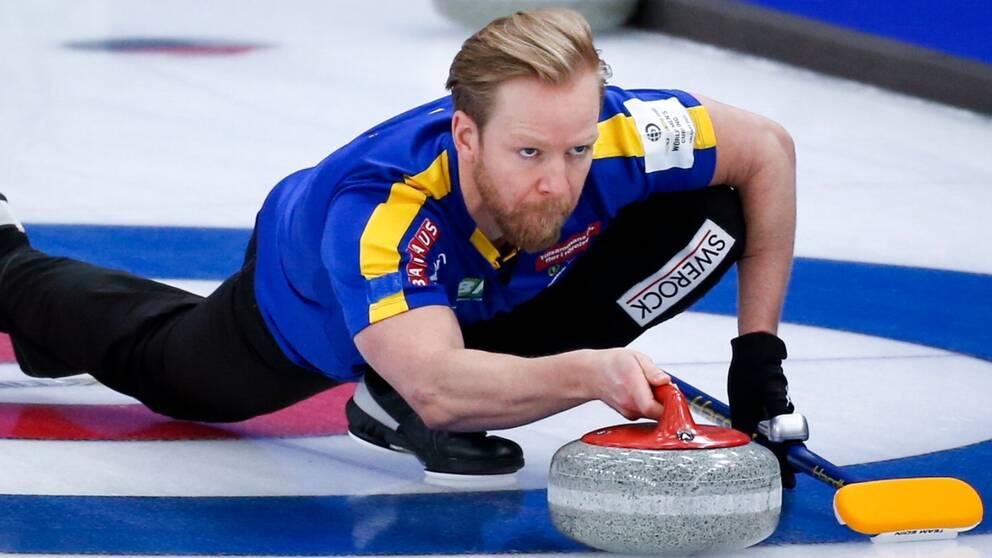Niklas Edin leder det svenska laget.