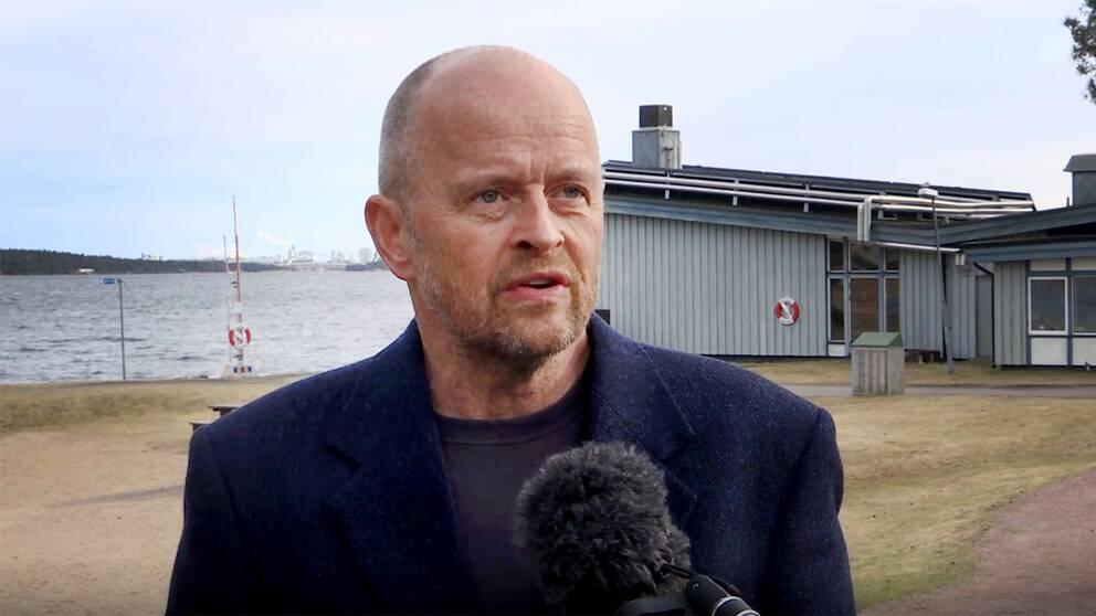 Starta klippet för att se Karlstadpartiets Peter Sörensen kommentera Förvaltningsrättens dom gällande projektet med Muminparken.