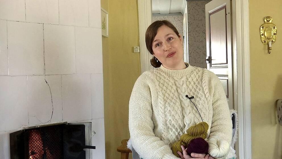 Hör i klippet vad som inspirerar Maja och hur hon tänker när hon tar fram ett nytt mönster.