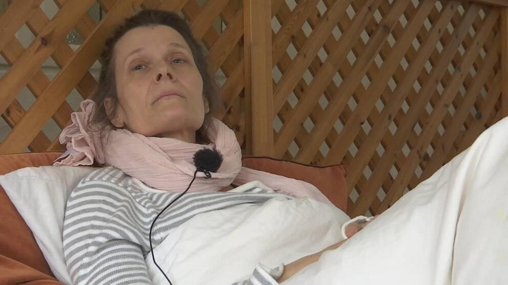 Katja Hill, Fjärås, liggande på madrass.