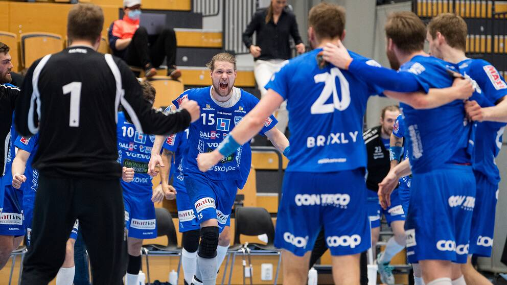 Skövde jublar efter segern mot Kristianstad.