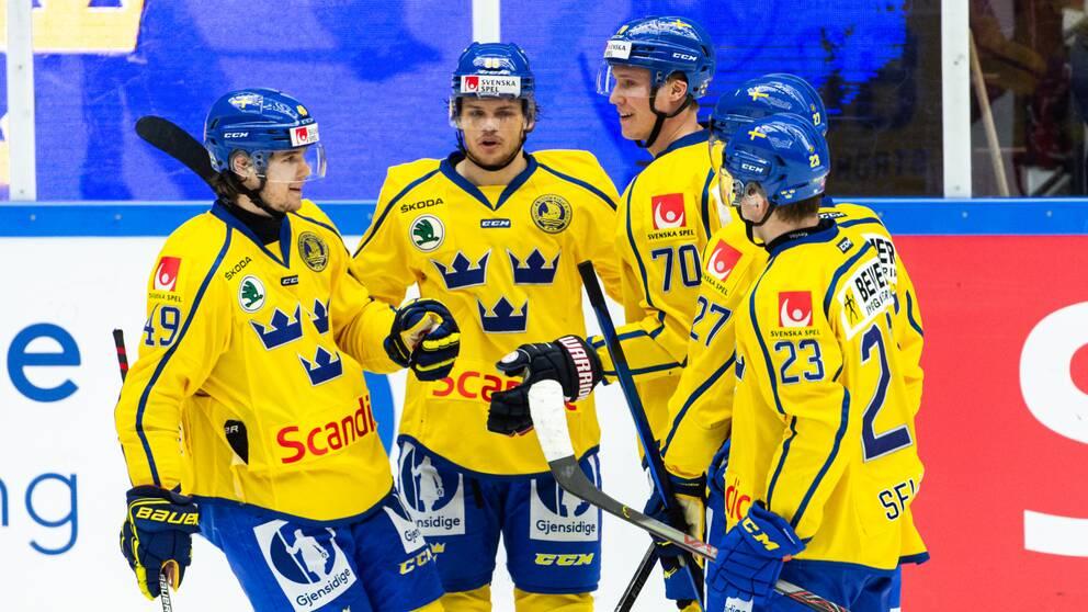 Sverige inleder mot Ryssland.