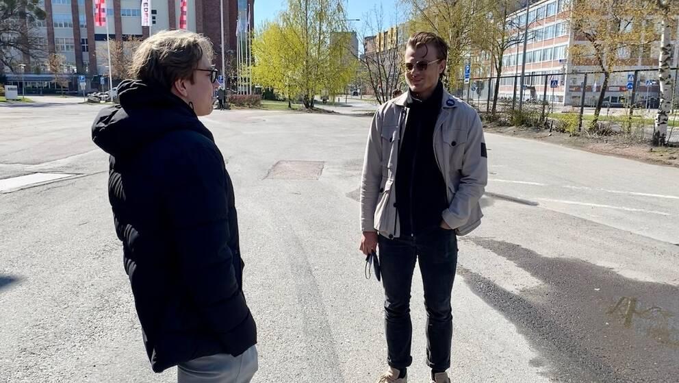 Sam Martinsson och Jakob Dalenbring var två av de som under lördagen skrev högskoleprovet.