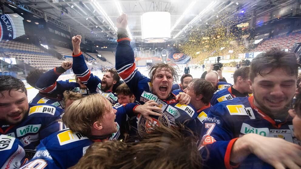 Stort jubel i Växjö efter bärgat SM-guld.