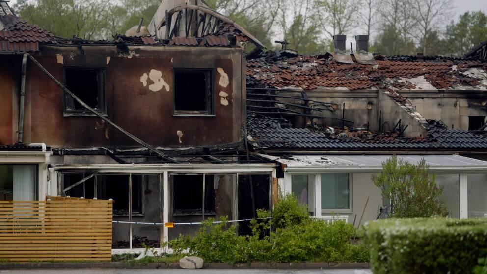 Dagen efter radhusbranden i Stenby i Eskilstuna.