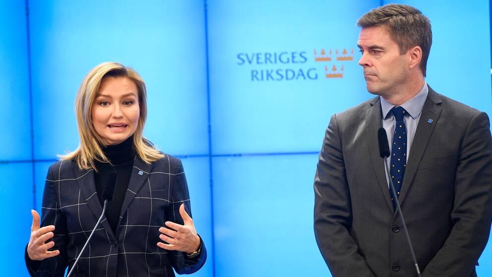 Kristdemokraternas partiledare Ebba Busch och partiets migrationspolitiske talesperson Hans Eklind. Arkivbild.